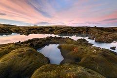 Заход солнца Amazinf в озере Исланди Стоковые Изображения