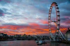 заход солнца london глаза Стоковое Изображение