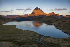 Заход солнца Midi D'Ossau Стоковое Изображение