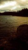 Заход солнца minniewanka озера Стоковые Фото