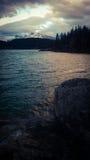 Заход солнца minniewanka озера Стоковое фото RF