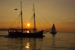 заход солнца sailing Греции Стоковые Изображения