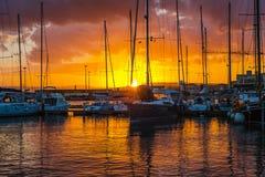 Заход солнца Siracusa, взгляд на яхте Стоковые Изображения