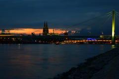 Заход солнца v Кёльна Стоковая Фотография RF