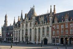 Захолустная рыночная площадь Брюгге суда Стоковые Изображения RF