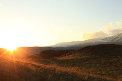 Заходящее солнце в степи Kurai Стоковые Изображения