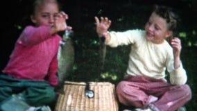 (зацеплять девушки фильма 8mm) удя берег 1955 видеоматериал