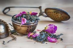 Зачерпните ложкой и цилиндр для чая, года сбора винограда, ретро, Стоковые Фотографии RF