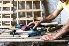 Зашкурить древесина после пилить Стоковое Изображение