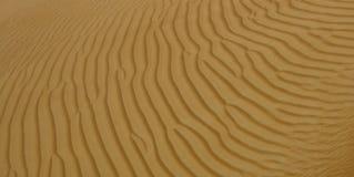 Зашкурьте картины на пустыне в Дубай, ОАЭ Стоковые Изображения RF