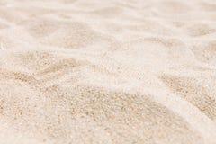 Зашкурьте конец-вверх, текстуру песка, пустой пляж, солнечный день, Стоковые Изображения