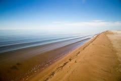 Зашкурьте побережье умирая Аральского моря в Казахстане на летнем дне Экологическая катастрофа Аральского моря стоковые фотографии rf