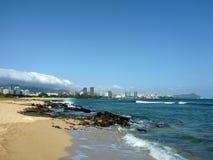 Зашкурьте пляж острова с побережья Оаху, Гаваи Стоковые Фотографии RF