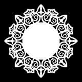 Зашнуруйте вокруг бумажного doily, кружевной снежинки, приветствуя элемент, шаблон для резать прокладчика, круглой картины, шабло Стоковые Фотографии RF