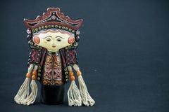 Зашнуруйте куклы традиции Мьянмы марионетки, деревянные куклы на черной предпосылке Стоковые Изображения