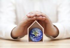 Защитите землю, наш дом стоковые фото