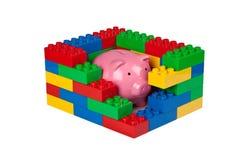 Защищать сбережения вашего ребенка Стоковая Фотография RF