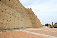 Защищая стены в Buchara, Узбекистане стоковые фото