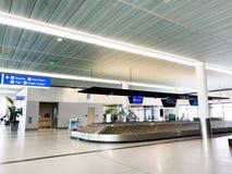 Заявка багажа на международном аэропорте Чарлстона стоковые фотографии rf