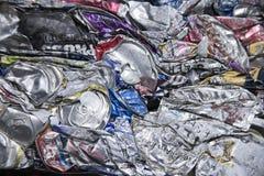 Задавленная абстракция алюминиевой чонсервной банкы Стоковое Изображение RF