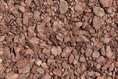 Задавленная предпосылка текстуры коричневого цвета коры дерева Shredded кора дерева f Стоковое Изображение