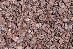 Задавленная предпосылка текстуры коричневого цвета коры дерева Shredded кора дерева f Стоковые Изображения