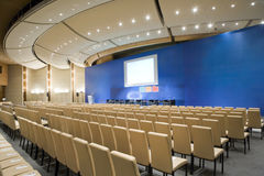 Зала видеоконференции, широкоформатный обзор Стоковое Фото