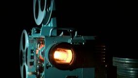 зала кино, увлекательность, история, вечер-партийная сток-видео