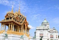 Зала трона Borom Mangkhanusoranee королевская приемная внутри дворец Dusit Стоковые Фото