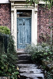 За голубой дверью Стоковое Изображение