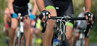 Задействуя спортсмены велосипедиста конкуренции ехать гонка Стоковое Фото