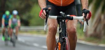 Задействуя спортсмены велосипедиста конкуренции ехать гонка Стоковые Фото