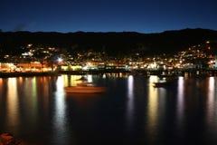 Залив Каталина Avalon на ноче стоковые изображения