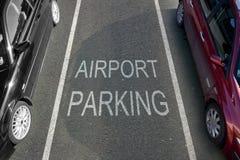 Стоянка автомобилей авиапорта Стоковое фото RF