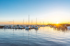 Залив Arcachon, Франция, гавань Andernos на заходе солнца стоковая фотография