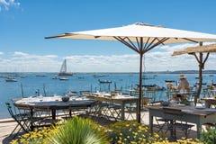 Залив Arcachon, Франция, ресторан на пляже, фретка крышки Стоковые Фото