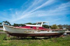 Залив Arcachon, Франция, старая рыбацкая лодка стоковое изображение rf