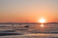 Залив Arcachon, Франция, Andernos на заходе солнца стоковые фото