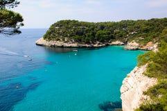 Залив Cala Macarella, остров Менорки, Испании Стоковая Фотография