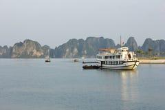 Залив Ha длинный - Вьетнам стоковые фотографии rf