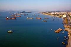 Залив Halong в Quangninh, Вьетнаме стоковые изображения rf