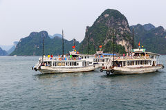 Залив Halong в Quangninh, Вьетнаме стоковая фотография