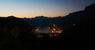 Залив Kotor, захода солнца, вечера, ландшафта ночи Стоковое Изображение