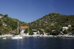 Залив Stracinska на острове Solta, Хорватии Стоковая Фотография RF