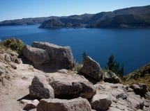 Залив Titicaca озера в isla de sol в горах Боливии Стоковое Фото