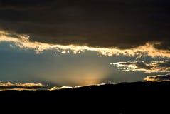 За момент до падения темноты стоковое изображение