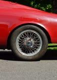 Заднее колесо старого автомобиля Стоковое фото RF