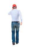 Задний взгляд идущего инженера в шлеме Стоковая Фотография RF