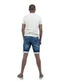 Задний взгляд молодого афроамериканца в смотреть шортов Стоковая Фотография RF