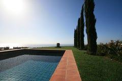 Задний двор с видом на море Стоковое Изображение